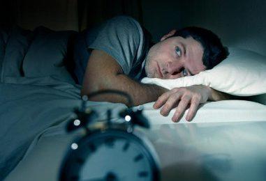 """Thiếu ngủ có thể làm giảm cholesterol """"tốt"""""""