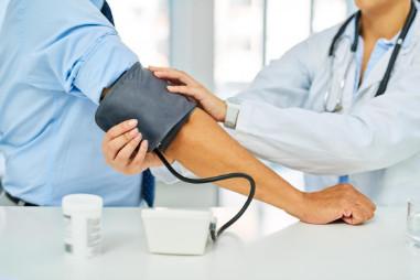 Huyết áp cao: Nguyên nhân, Triệu chứng, Cách điều trị