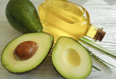 8 lợi ích của dầu bơ cho da và cách sử dụng