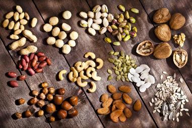 Ăn các loại hạt giúp bảo vệ chống lại bệnh tim